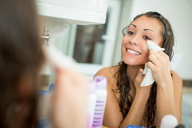 Girl Removing Make Up ストックフォト