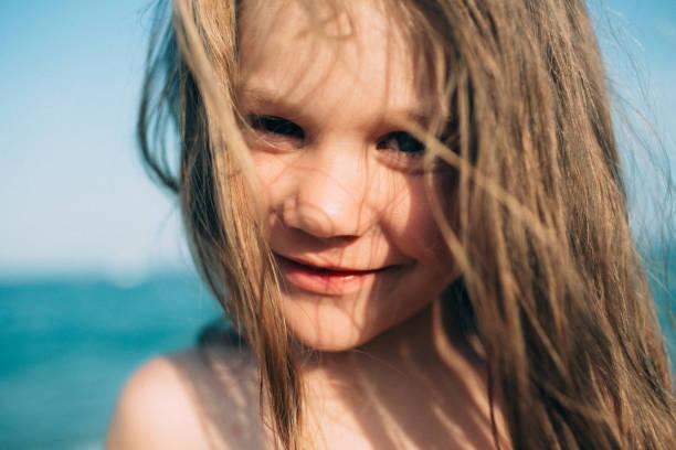Mädchen, Meer und Sonne – Foto