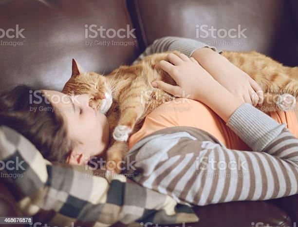 Girl teenager in the room with the cat picture id468676878?b=1&k=6&m=468676878&s=612x612&h=6dlg8dmwshbfhdyu5thcr21t1aoyzbb qcd3gmysu7g=