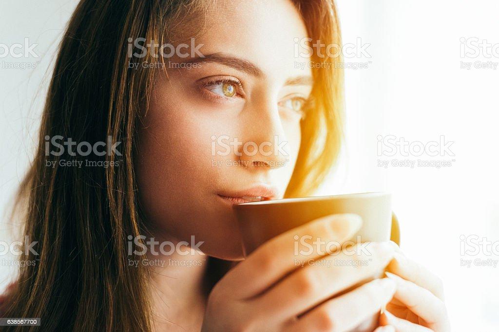 Girl despertar  - foto de stock