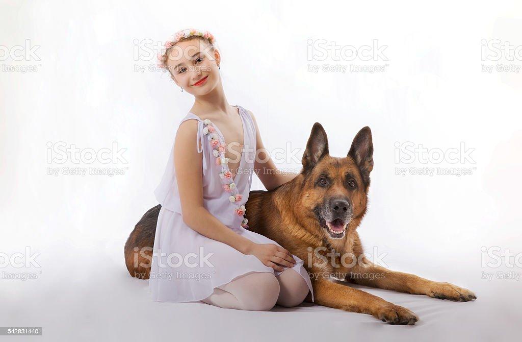 Fille avec un chien - Photo