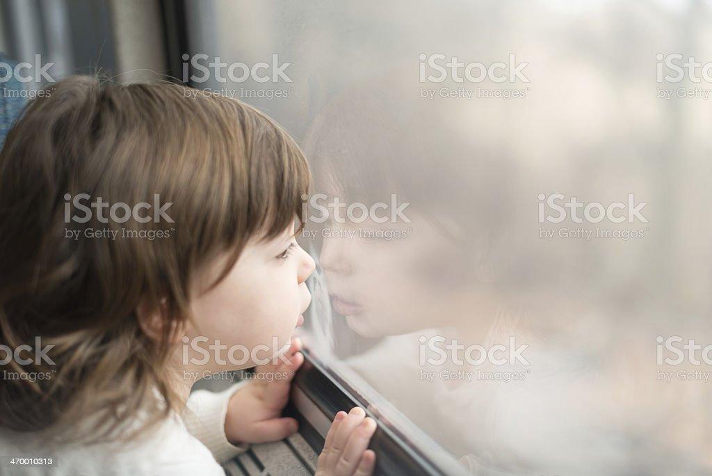 Mädchen mit Ausblick – Foto