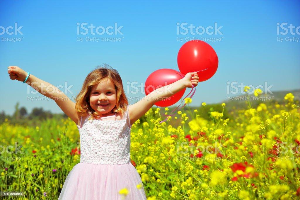 Mädchen mit Luftballons – Foto