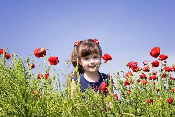 Mädchen mit Blumen – Foto