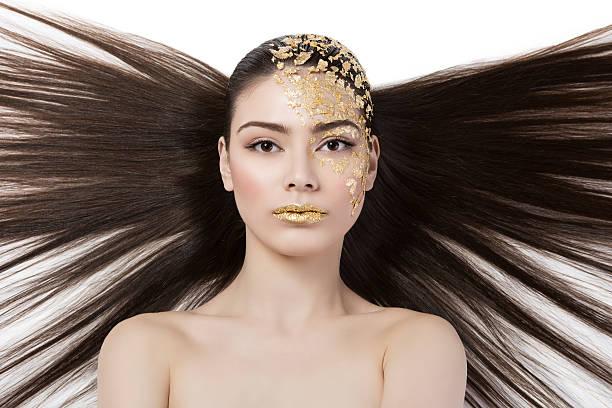 Dziewczyna z makijażu gilden folia – zdjęcie