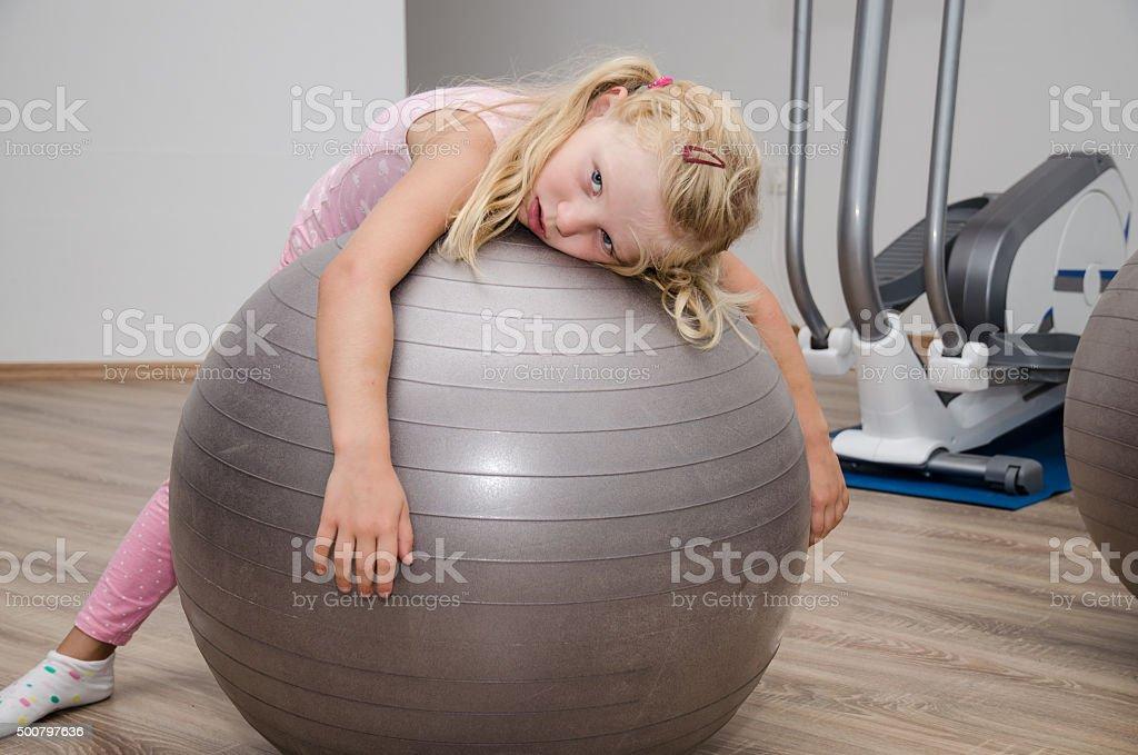 Frauen mit Fitness-ball – Foto