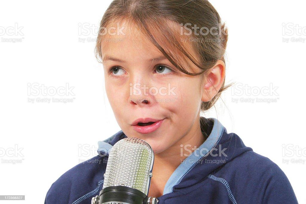Chica con micrófono foto de stock libre de derechos
