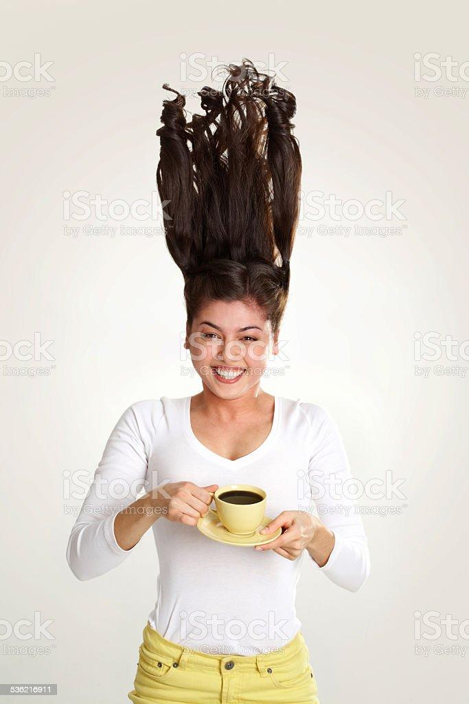 Chica con té - foto de stock