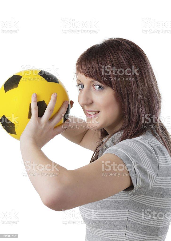 Mädchen mit gelben ball Lizenzfreies stock-foto