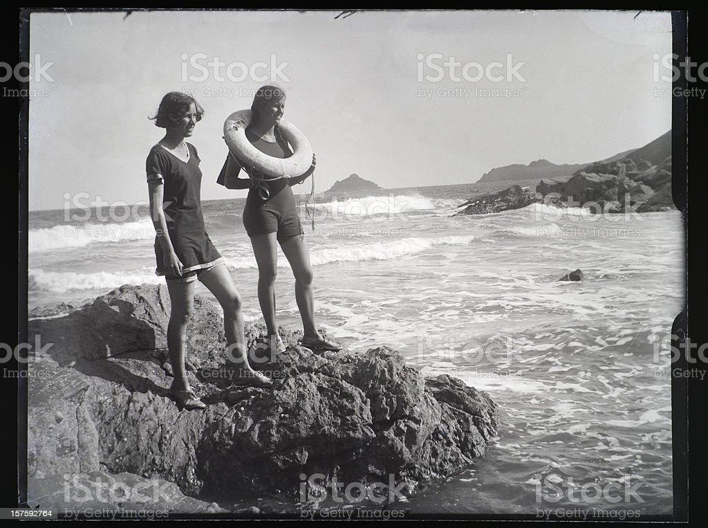 Fille au bord de mer-Vintage photo - Photo