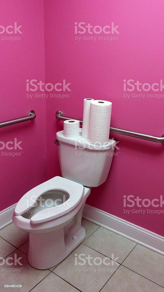 Fille Peint Bubble Gum Salle De Bain Rose Et Blanc De Toilettes Photo Libre  De