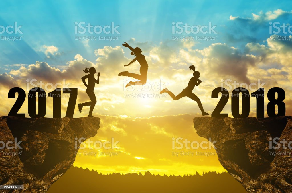 Girls jump to the New Year 2018 - foto de stock