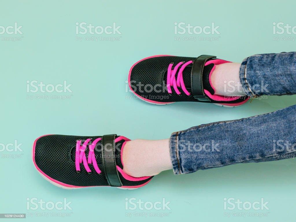 E azul pernas ficando preto