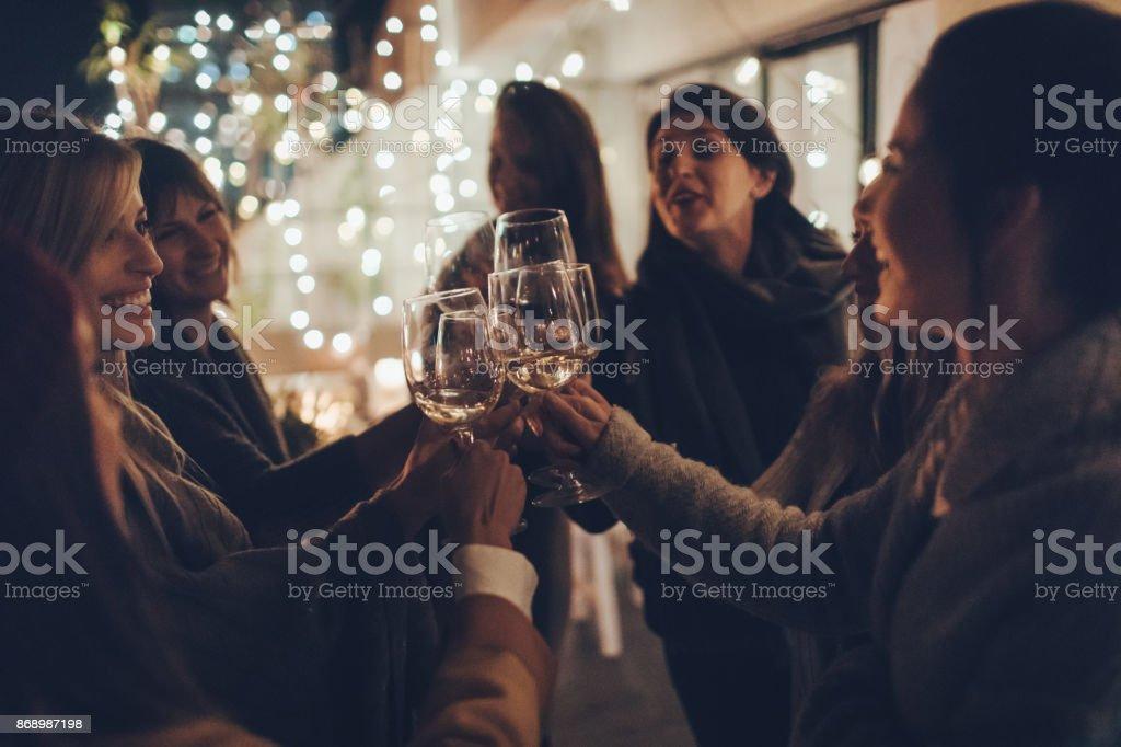 Noche de chicas - foto de stock