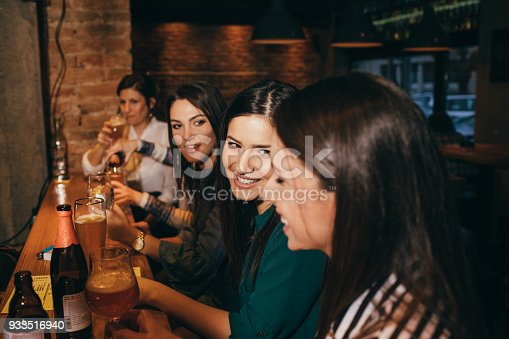 istock Girls night out 933516940