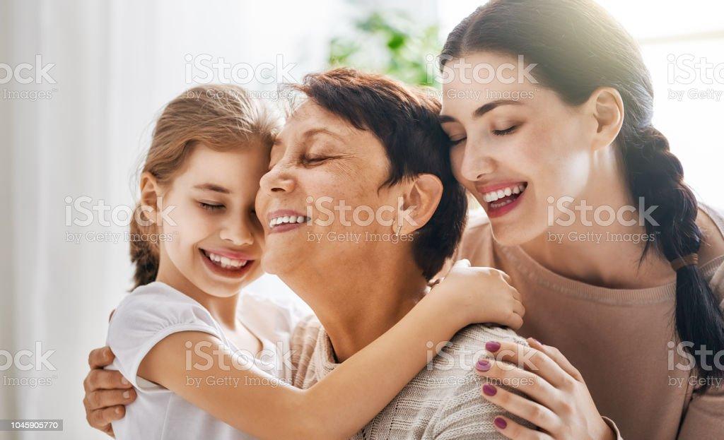 Mädchen, deren Mutter und Großmutter – Foto