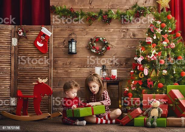 Girls with present picture id617870156?b=1&k=6&m=617870156&s=612x612&h=wo q i8hdls45n6omhxdtart3jclpss1hk8medlpvaw=