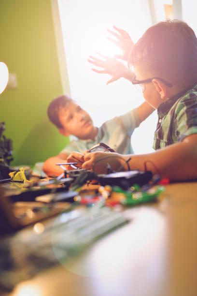Mi 5 geben!... das vorbei. Kinder Roboter, Erfolg – Foto