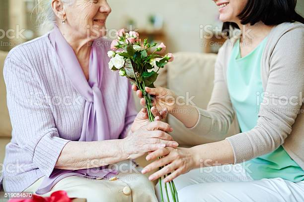 Giving bunch of fresh roses picture id519084570?b=1&k=6&m=519084570&s=612x612&h=7khfvljk3mysx6hngdesslunam hkmpvwxxdckxral0=