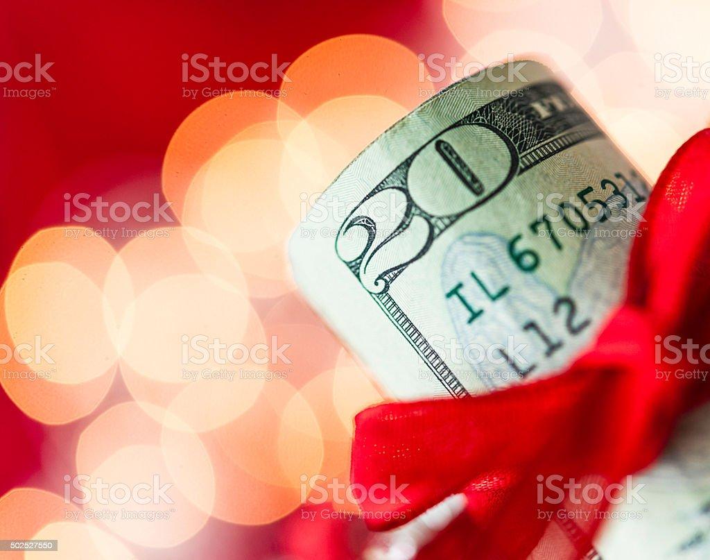 Geben Ein Geschenk Von Bargeld An Weihnachten Stockfoto 502527550 ...