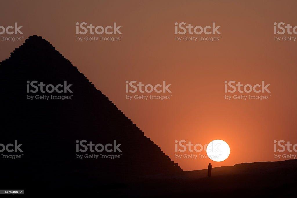 Pyramiden von Gizeh bei Sonnenuntergang – Foto
