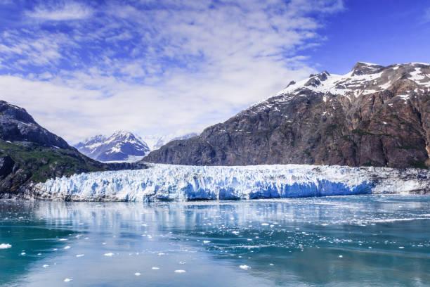 glaciar bay,national park, alaska. - moraine стоковые фото и изображения