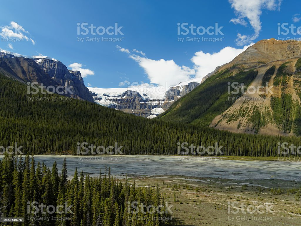 Glacier and Mountainscape on a Sunny Day royaltyfri bildbanksbilder