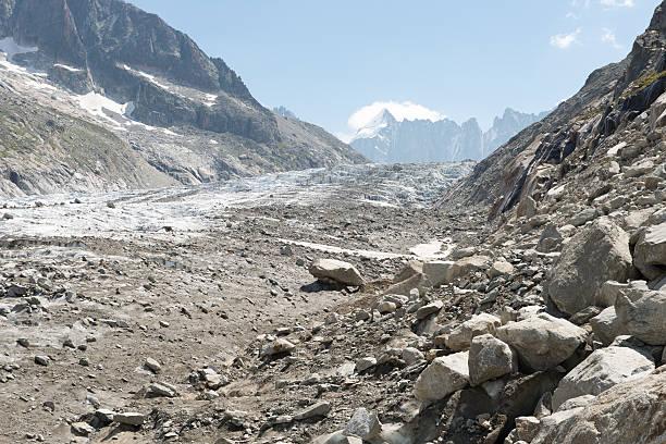 glacier d'argentière - moraine стоковые фото и изображения