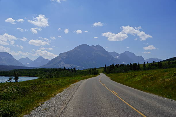 glacier park road - going to the sun road stock pictures, royalty-free photos & images