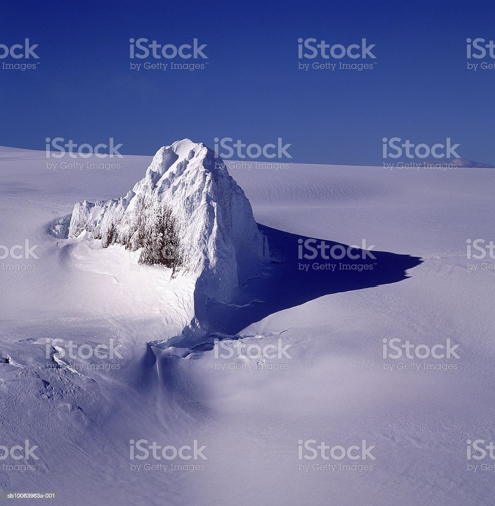 Glaciers and snow covered mountain peaks, elevated view foto de stock libre de derechos