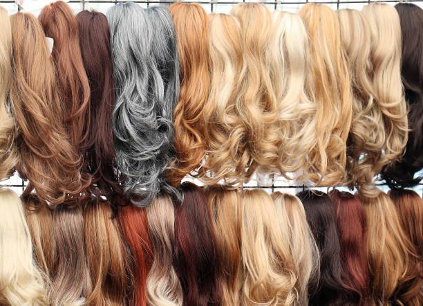 glam-haarverlängerungen - haarverlängerung stock-fotos und bilder