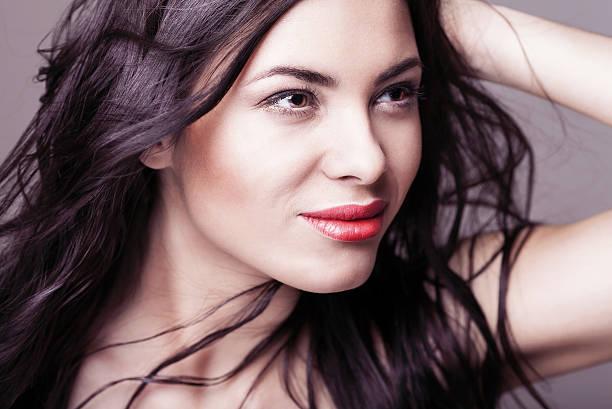 Glamour portrait schöne Frau-Modells mit frischen täglichen makeu – Foto