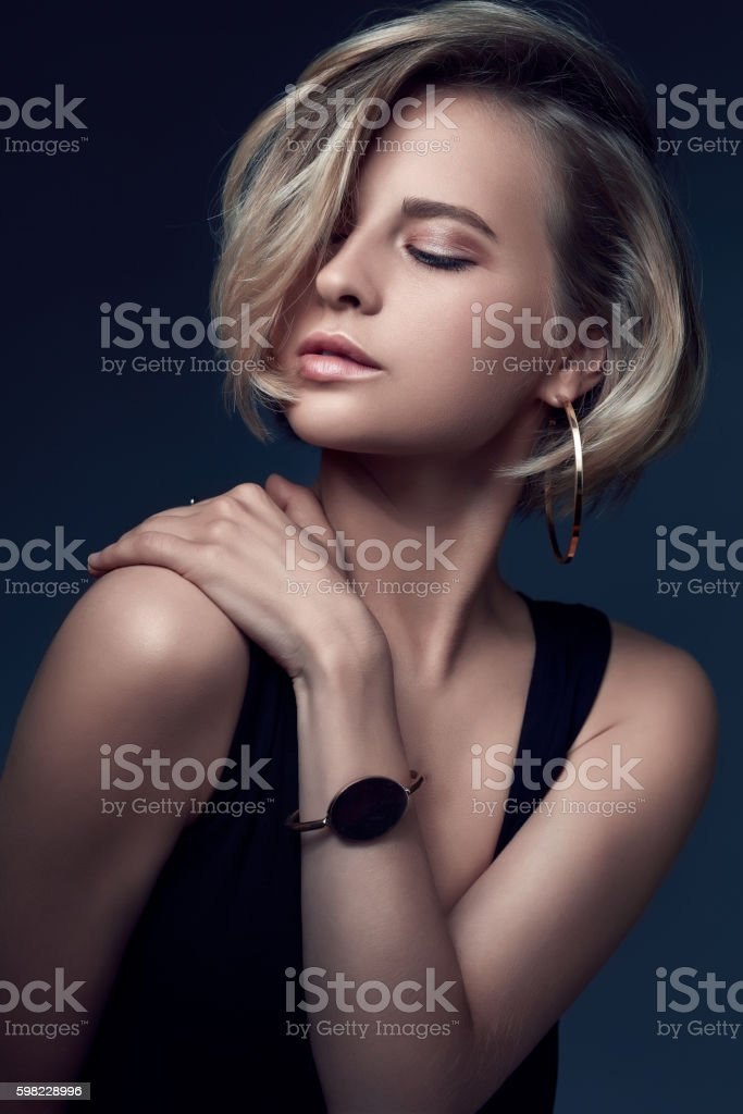 Glamour portrait of beauty girl with full lips. foto royalty-free
