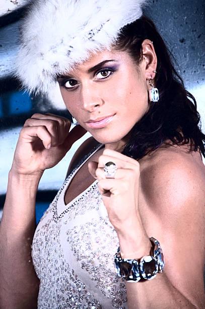 ritratto di glamour - earring ring foto e immagini stock