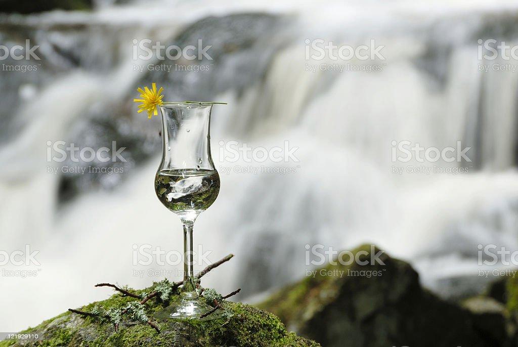 Glas vor Wasserfall stock photo