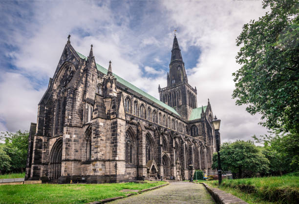 Glasgow Cathedral at a cloudy day St.Mungo - foto stock