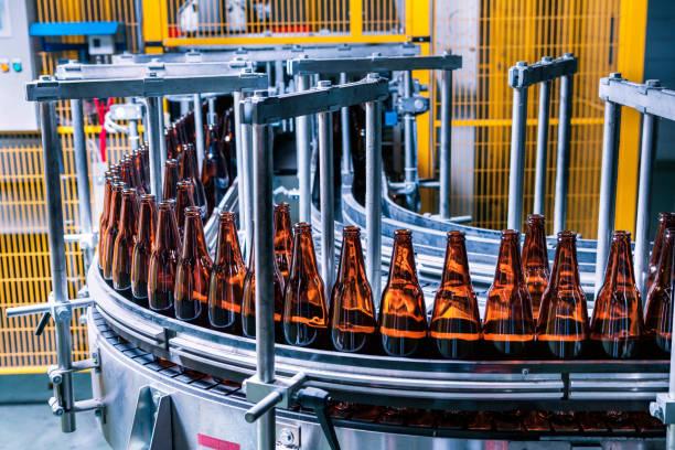Glasflasche Fertigungslinie In einer Fabrik – Foto