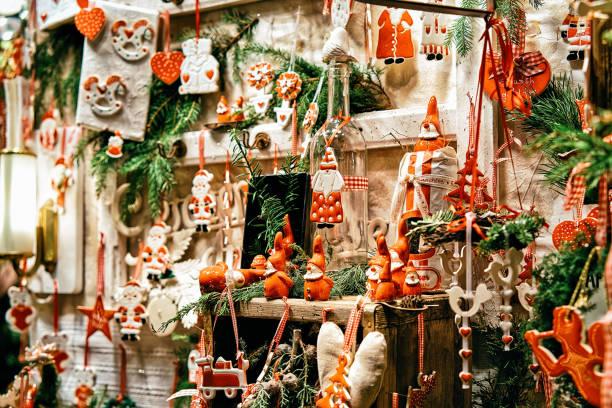 glas weihnachtsbaum dekoration nacht markt gendarmenmarkt berlin - weihnachtsmarkt am gendarmenmarkt stock-fotos und bilder