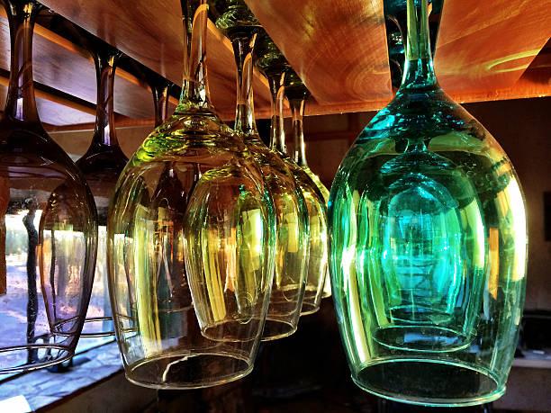 glas farbe - küchenorganisation stock-fotos und bilder