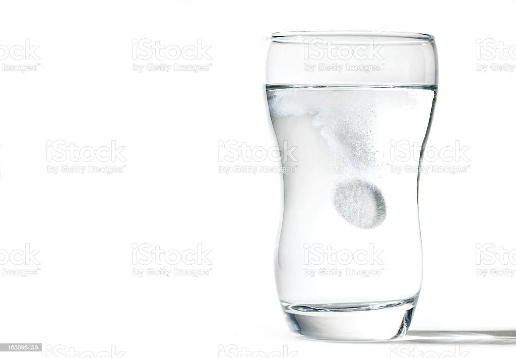 Glas Tasse mit spritzigen tablet – Foto