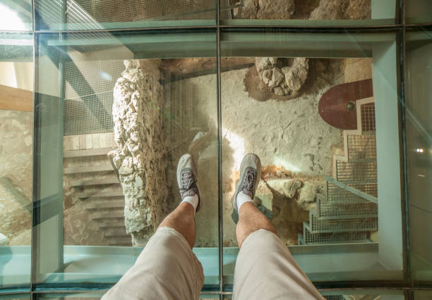 Glasboden der punischen Wand Interpretation Center. Ansicht