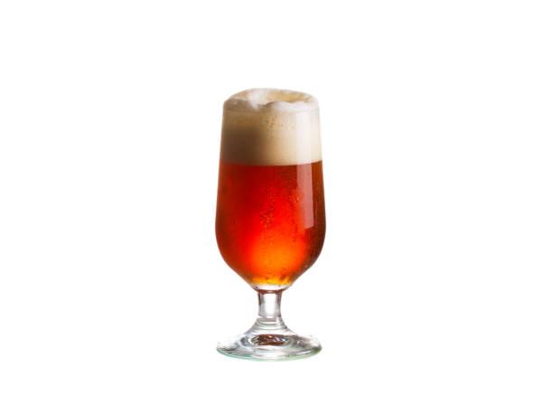 copo de cerveja, isolado no fundo branco - ale - fotografias e filmes do acervo