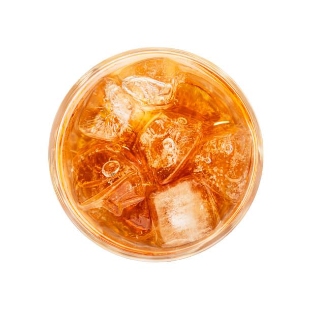 glass of ice tea isolated on white - immagini su sfondo bianco foto e immagini stock