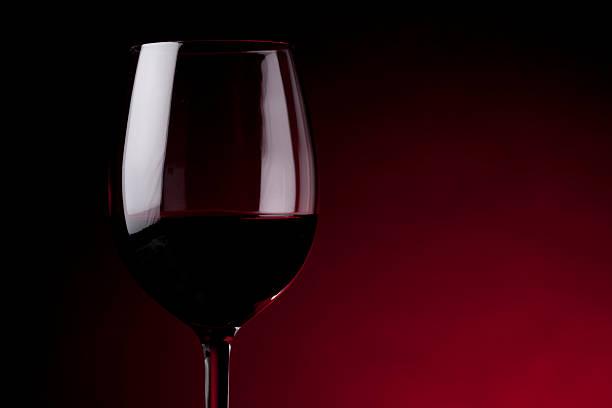 Glas Rotwein – Foto
