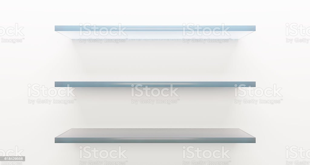 Glass shelf on white wall – zdjęcie