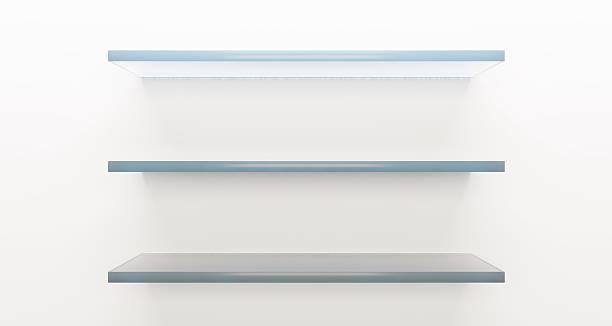 Glass shelf on white wall – zdjęcie