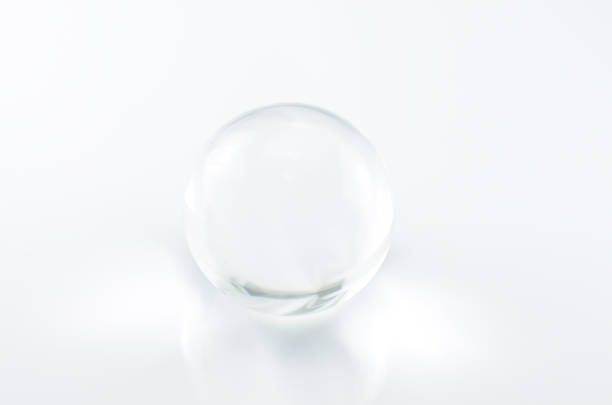 sphère de verre - forme bidimensionnelle photos et images de collection