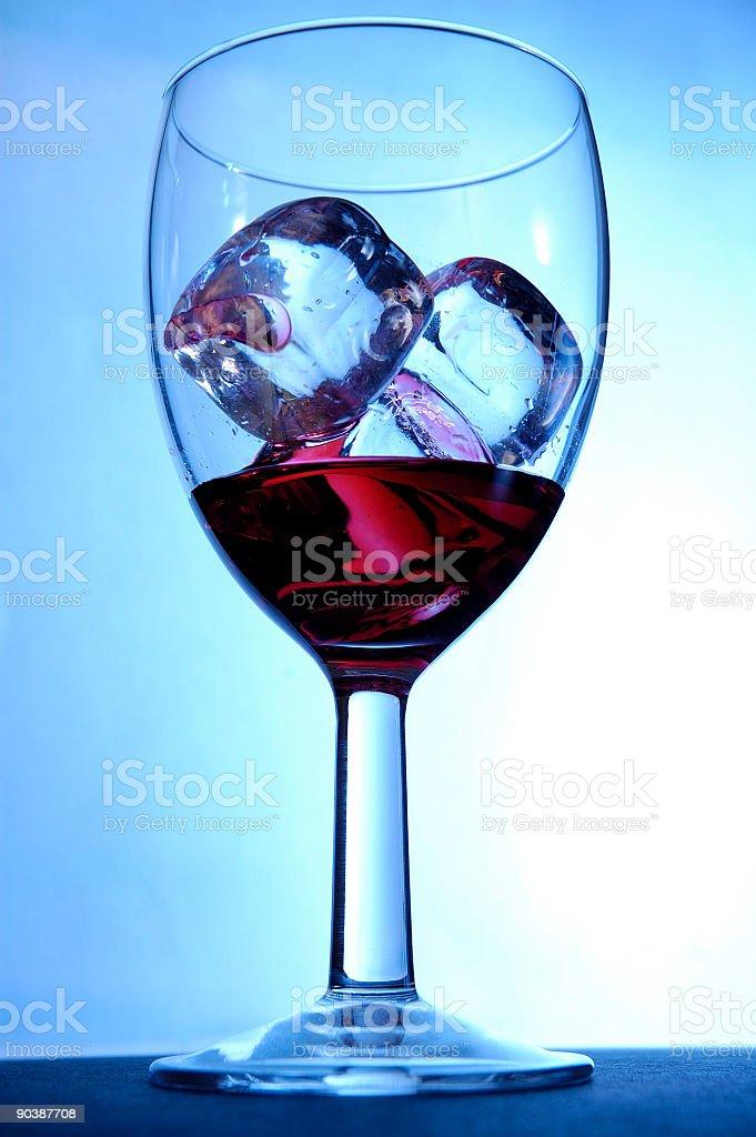 af80fc2976 Bicchiere Con Cubetti Di Ghiaccio - Fotografie stock e altre ...