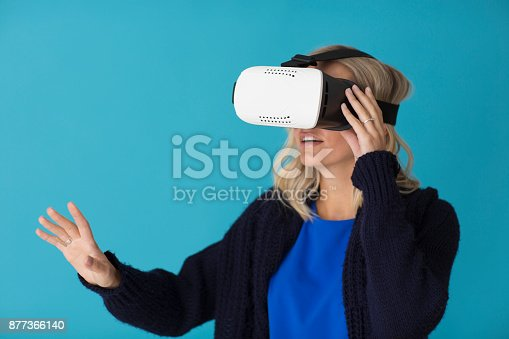 609822310istockphoto 3D glasses headset 877366140