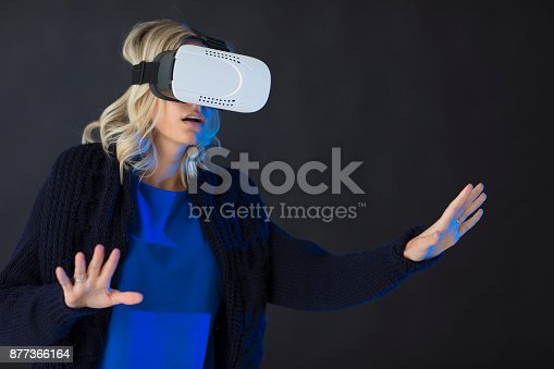 609822310istockphoto 3D glasses headset 877366164